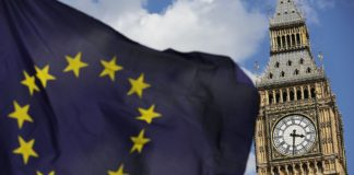 Brexit - Big Ben e bandiera UE