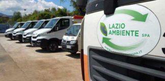 Immagine di uno dei camion di Lazio Ambiente